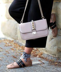 culotte:Edited// blouse: bought in Barcelona // bag:Valentino// ballerinas:Miu Miu(similar here/here) //sunglasses:Céline(also…
