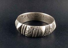 Alte Berber Silber Armband aus Marokko, Berber Schmuck, alte tribal Armband, ethnischer Schmuck, Berber Silber, marokkanischer Armband