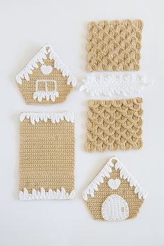 beautiful gingerbread house. Crochet pattern by Ilaria Caliri can be found in the book Amigurumi Winter Wonderland.