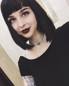 I finally made up my mind and this hair is making a comeback and it's gonna be sooner than later ♀️ What's the one thing you're always indecisive about? I can't deal with hair choices and pizza toppings Short Black Hairstyles, Hairstyles With Bangs, Cool Hairstyles, Cabello Pin Up, Dark Hair, Blue Hair, Hair Inspo, Hair Inspiration, Mein Style