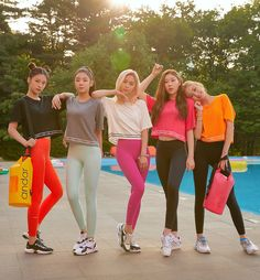Photo album containing 37 pictures of ITZY Kpop Girl Groups, Korean Girl Groups, Kpop Girls, Spandex, Kpop Outfits, New Girl, K Pop, Girls Generation, South Korean Girls