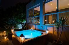 Retreat on Hove is a beautiful villa for rent in Cape Town , Camps Bay. Cape Town Accommodation, Luxury Accommodation, Premium Hotel, Luxury Villa Rentals, Beautiful Villas, Bed And Breakfast, Luxury Homes, Vacation, Camps