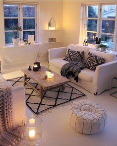 My winter-white home turns nearly pink in the evening👌  #interior #interiør #ilovemyinterior #bohemianstyle #boho #homedetails #myhome #interior123 #skönahem #lovecominghome #bohemian #interior4all #interior_and_living #dream_interiors #homeadore #boligliv #interiørmagasinet #inspire_me_home_decor #interior9508 #wohnen #vakreverden #nordikspace #dagensinterior #boligmagasinet #iboligendk #interior_delux #inspirasjonsguidennorge #interior12follow #blackandwhite