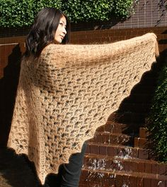 Free Pattern: Gold Nugget Shawl