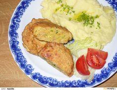 Hermelín nastrouháme na hrubší nudličky, brambor najemno. Drobně nakrájíme cibuli, šunku a pažitku. Přidáme vejce, sůl, koření a... Mashed Potatoes, French Toast, Pork, Food And Drink, Meat, Breakfast, Ethnic Recipes, Whipped Potatoes, Kale Stir Fry