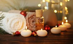 You can easily adapt your existing spa services to holiday themes. Here are some simple instructions on how to execute them for a holiday spa promotion. Best Day Spa, Spa Day, Body To Body, Full Body, Massage Center, Massage Parlors, Massage Techniques, Body Wraps, Spa Treatments