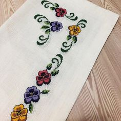 1 million+ Stunning Free Images to Use Anywhere Free To Use Images, Cross Stitch Borders, Hand Embroidery Stitches, Diy And Crafts, Finding Yourself, Crochet, Handmade, Nature, Hand Embroidery Flowers