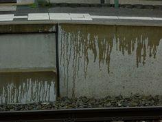Regen am Bahnsteig by inezzy, via Flickr