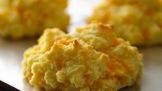 Craving a warm cheesy biscuit but you're eating gluten free? Try our easy cheesy biscuits thanks to Bisquick® Gluten Free mix.
