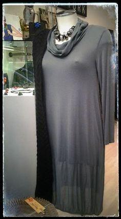 Buona settimana. Collana ZSISKA  sciarpa in lana abito, bellissimo.