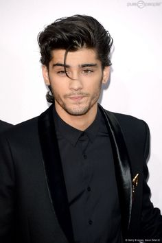""""""" Liam Payne, Niall Horan, Louis Tomlinson, Zayn Malik and Harry Styles of One Direction attend the 2014 American Music Awards at Nokia Theatre L. Live on November 2014 in Los Angeles,. Cabelo Zayn Malik, Estilo Zayn Malik, Zayn Malik Style, Zayn Malik Hairstyle, Hairstyle Fade, Hairstyle Short, Zayn Malik 2015, Zayn Malik Fotos, Celebrities"""