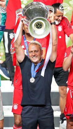 Fifa, Bayern Munich Wallpapers, Germany Football, Fc Bayern Munich, Captain Hat, Soccer, Training, San, Germany