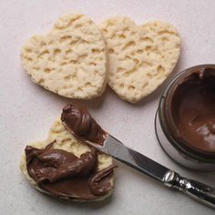 Heart Crumpets & Chocolate spread - A fabulous treat for your loved one, heart shaped crumpets .. the Choc on Choc way, made from luxurious white chocolate and served with a delicious praline spread!! Not for sharing...actual size and better than the real thing!  Handmade from White Belgian Chocolate 100g jar of Chocolate spread Pack contains 4 Crumpets Shelf life of crumpets is 1 year, Shelf life of spread is 1 month and should be kept refrigerated