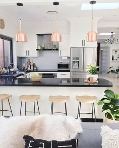 KITCHEN DREAM.