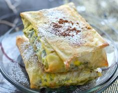 Recette Pastilla de poulet aux amandes I Love Food, Good Food, Yummy Food, Soup Recipes, Cooking Recipes, Latin American Food, Exotic Food, Tasty Bites, Winter Food