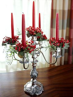 christmas center piece | ... .bhg.com/christmas/indoor-decorating/simple-christmas-centerpieces