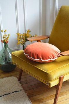 Coussin en velours - Beldy Paris Trendy Mood, Decoration, Ottoman, Lounge, Velvet, House Design, Couch, Interior Design, Etsy