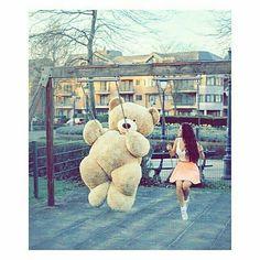 Dpz for girls Huge Teddy Bears, Large Teddy Bear, Giant Teddy, Teddy Photos, Teddy Bear Pictures, Teenage Girl Photography, Girl Photography Poses, Teddy Girl, Jokes Pics