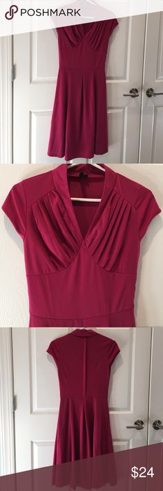 "MIUSOL: Cranberry Stretch dress. SIZE S MIUSOL: Easy Wear Stretch v-neck short sleeve dress. 95% polyester, 5% spandex, machine washable fabric. Over all length 40"", waist about 25"". Very comfortable and form fitting, wonderful for traveling or work etc. GREAT CONDITION ! MIUSOL Dresses Midi"