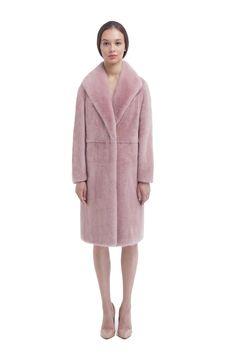 Пальто из норки цвета жемчужная роза