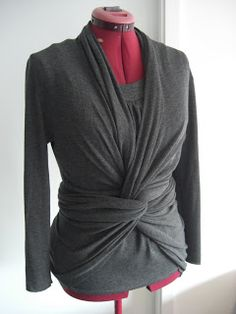 Allison.C Sewing Gallery: Simplicity 2603 - knit top and cardi-wrap