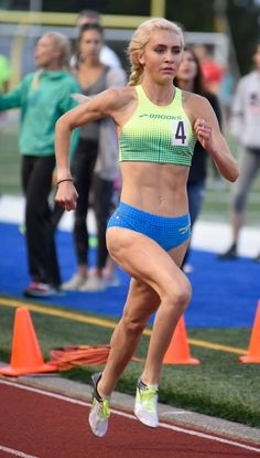 Hannah Fields finishes third at USATF 1 Mile Road Championship. Drake Relays, Athletic Girls, Track And Field, Excercise, Sports Women, Champs, Porn, Running, Sexy