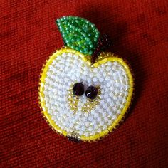 59 отметок «Нравится», 7 комментариев — Ирина Синицына (@sinichka1313) в Instagram: «Брошь #лимон с жемчужной косточкой Swarovski #брошьлимон #брошьизбисера #аксессуары #подаркивгомеле»