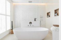 Idee bagni moderni - rivestimenti bagno bianco