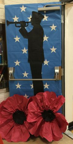 13 Veterans Day Decorations Ideas 2020 for School & Work Office Veterans Day Poppy, Free Veterans Day, Veterans Day Images, Veterans Day Quotes, Veterans Day Activities, Veterans Day 2019, Military Veterans, Children Activities, Army Wife