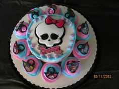 See Our Sweet Life: Monster High Birthday Bash Monster High Cupcakes, Monster High Birthday Cake, Monster High Party, Monster Birthday Parties, Birthday Cake Girls, Birthday Bash, Walmart Cakes, Birthday Cake Decorating
