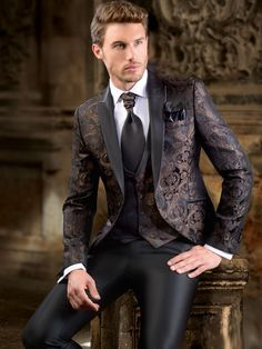 mens_fashion - Gifts for tennis players [not the expensive ones] Dress Suits For Men, Mens Suits, Men Dress, Mens Fashion Wear, Suit Fashion, Outfit Hombre Formal, Classy Suits, Classy Style, Mode Costume
