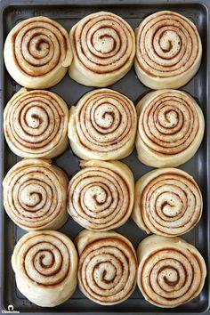 The Ultimate Cinnamon Rolls Recipe Sweet Petite Desserts Pastry Orange Cinnamon Rolls, Just Desserts, Dessert Recipes, Breakfast Recipes, Rolls Recipe, Sweet Bread, Baking Recipes, Baking Pies, The Best