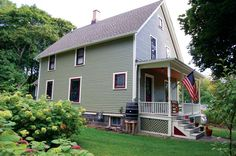 America's oldest net-zero home, located in Ann Arbor, Michigan. Net-zero homes that look sweet.