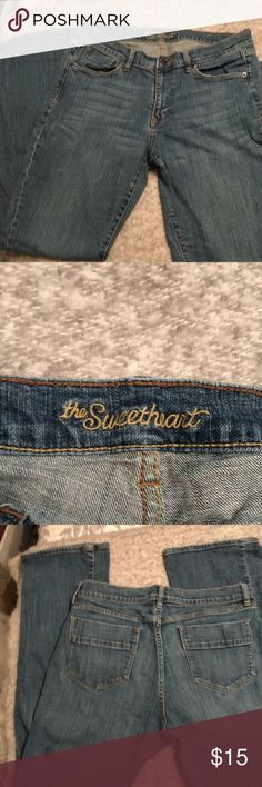 Old Navy Sweetheart Jeans Sz 12 long Here's a super comfy pair of Old Navy Sweetheart Jeans in a Sz 12 (Long) for the tall women out there.   These are in excellent used condition! Old Navy Jeans Straight Leg