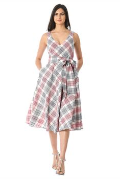 I this Cotton check surplice midi dress from eShakti Sundresses Women, Vestidos Vintage, Vintage Dresses, Lehenga Blouse, Sun Dresses, Summer Dresses, Eyelet Dress, Frocks, Women's Fashion Dresses