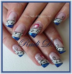 I NEED to find out how to do something like this for band concerts :D