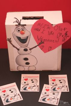 DIY Olaf Valentines Box with free printable! Have your kids build their own snowman for Valentine's Day. #valentinesdaycraft #kidscrafts