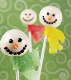 12 Pins Project: Too Cool Snowman Cake Pops. We made cake pops a couple days ago and almost ended up fighting over the last one. Gonna have to make some more soon!