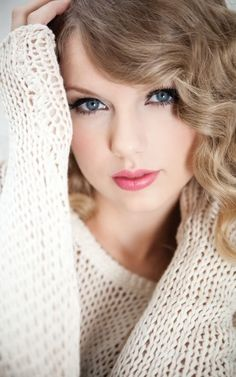 Taylor Swift /// Country Girl Crush