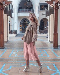 Karina KUCKOO 🕊 (@karina_kuckoo) • Instagram photos and videos Delicious Restaurant, Dubai, Beautiful Places, Photo And Video, Coat, Videos, Photos, Photography, Inspiration