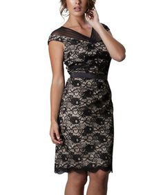 For an elegant evening, choose this fancy frock. Its allover lace adds decadent depth, while a mesh accent complements the neckline.