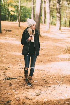 Morning Hikes & Best Outdoor Clothing // Mom Style // Fall Style for Moms // Outdoor Clothing for Busy Moms // Winter Fashion Ideas for Moms // Winter Style Tips // Lynzy & Co. Source by PStyleScript winter Winter Fashion Outfits, Fall Winter Outfits, Winter Wear, Autumn Winter Fashion, Fashion Ideas, Fall Fashion, Winter Clothes, Winter Coats, Winter Dresses