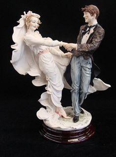 Giuseppe Armani Wedding Waltz Limited Edition #384/3000 Figurine with Original Box and COA