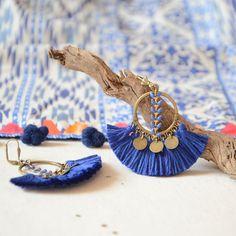 Boucle d'oreilles marine bleues à pompons bleues, bijoux tendances 2017 pour femmes, boucle d'oreilles bohèmes