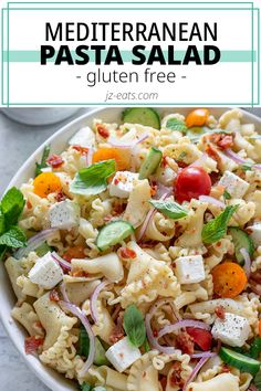 This easy Gluten-Free Pasta Salad is full of Greek inspired flavors like feta cheese, fresh tomatoes, crispy prosciutto, and fresh herbs! This healthy gluten free pasta salad recipe makes the perfect Summer, BBQ, or picnic side dish recipe! #glutenfreepastasalad #glutenfree Salad Recipes For Dinner, Easy Salad Recipes, Easy Salads, Side Dish Recipes, Best Pasta Recipes, Seafood Recipes, Beef Recipes, Party Recipes, Picnic Side Dishes