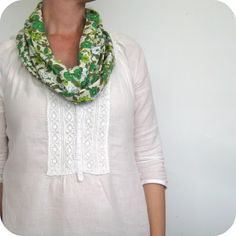 diy infinity scarf. love. so easy.