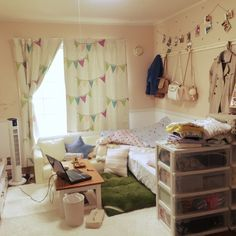 Kasumiさんの、観葉植物,ダイソー,IKEA,雑貨,ソファ,100均,一人暮らし,セリア,3Coins,フェイクグリーン,ウォールステッカー♡,楽天市場 ウォールステッカー,のお部屋写真