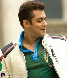 Salman Khan Young, Salman Khan Photo, Indian Celebrities, Bollywood Celebrities, Bollywood Fashion, Salman Katrina, Salman Khan Wallpapers, Love Images With Name, National Film Awards