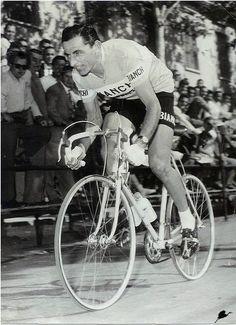 Risultati immagini per ferdy kubler Cycling Art, Road Cycling, Road Bike, Eminem, Bici Retro, Bike Poster, Vintage Cycles, Bicycle Race, Classic Bikes