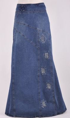 Long Jean Skirt - Jean Skirts - Ideas of Jean Skirts Jeans Rock, Jeans Denim, Jeans Refashion, Denim Ideas, Denim Crafts, Recycle Jeans, Creation Couture, Modest Outfits, Modest Clothing